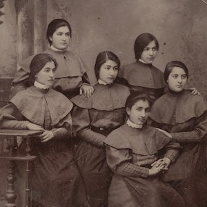 Black and white photograph of six school girls