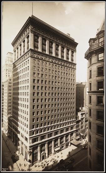 Photograph of the Carbide and Carbon Building on 42nd Street and Madison Ave taken in 1927
