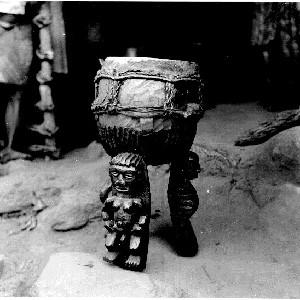 Abiriba tripod drum