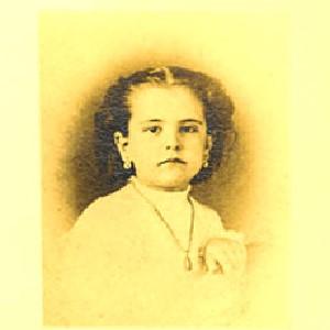 Childhood headshot of Laura Jernegan